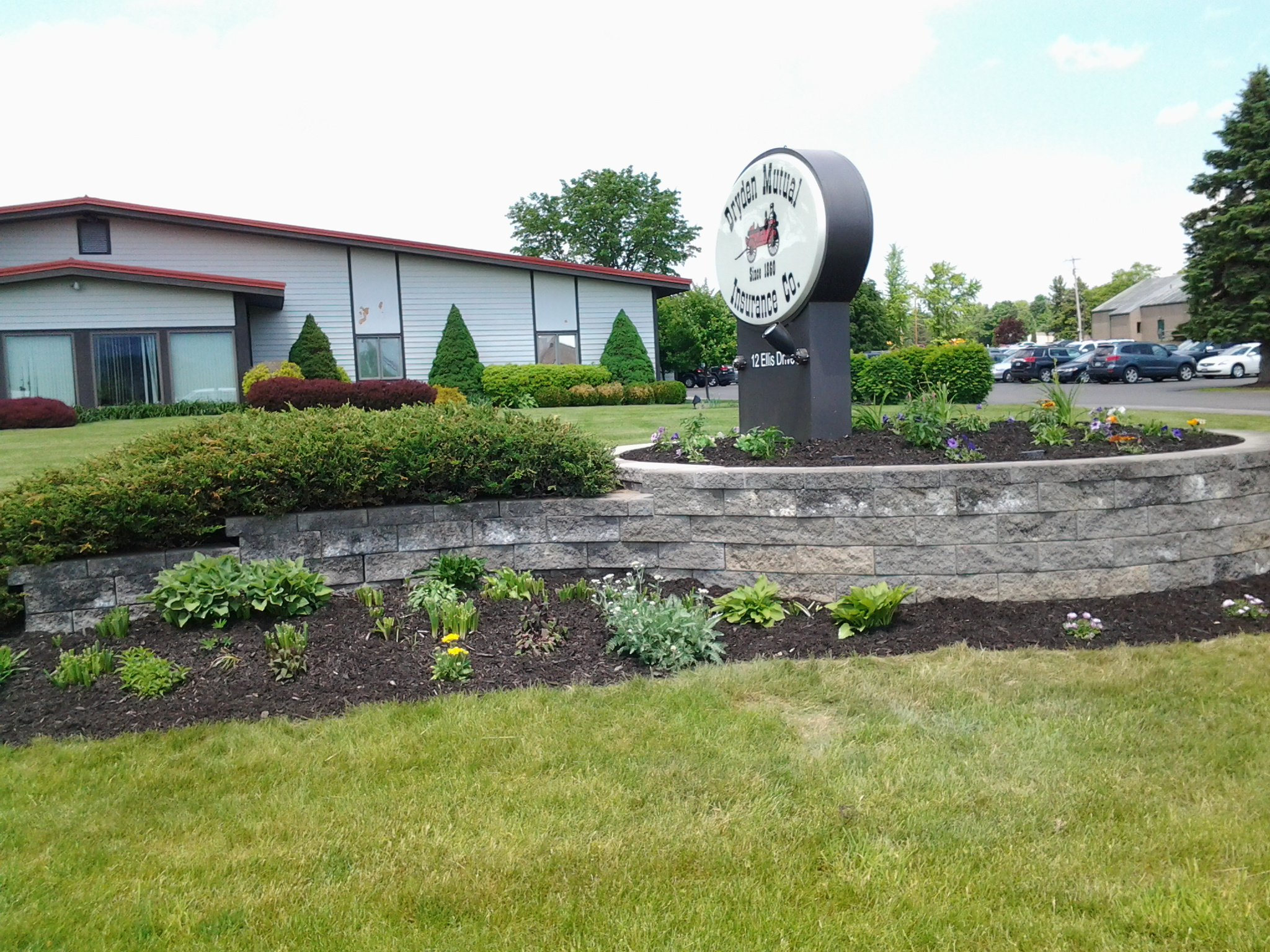 Grassmasters Landscaping Mulching Project