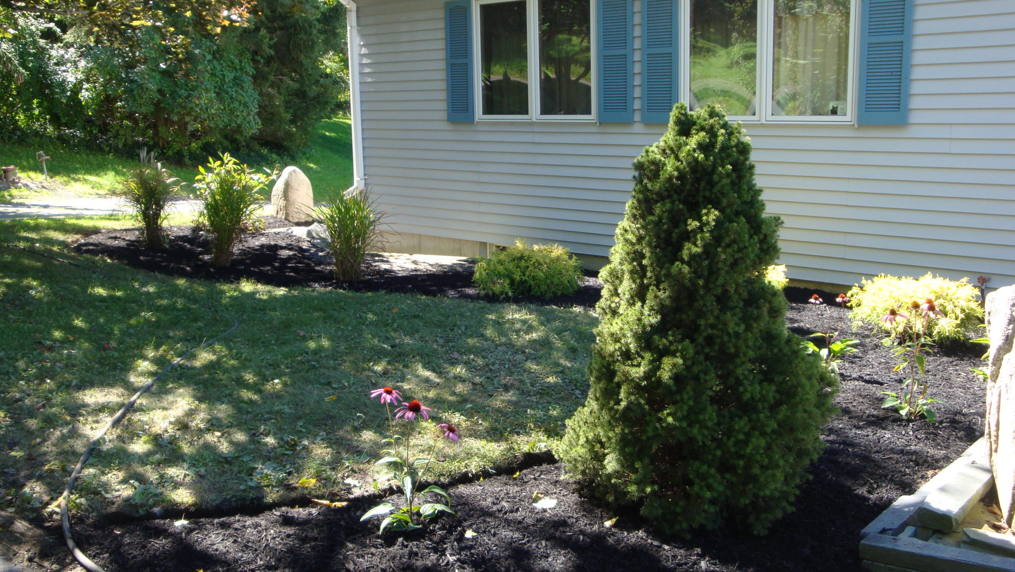 Grassmasters Landscaping Mulching Project 3