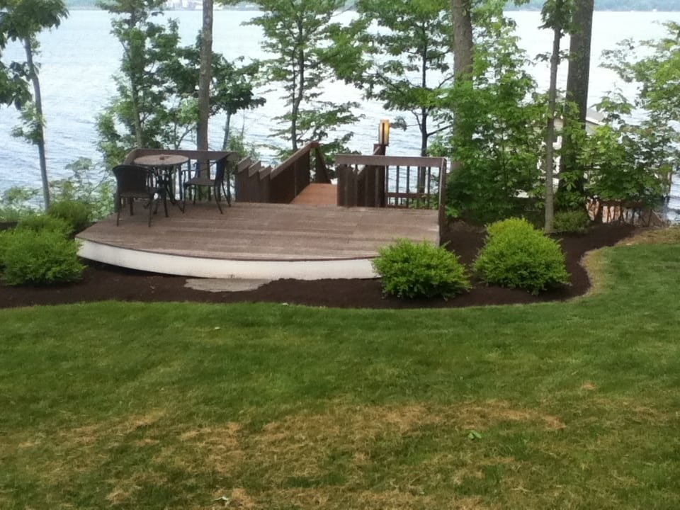 Grassmasters Landscaping Mulching Project 8