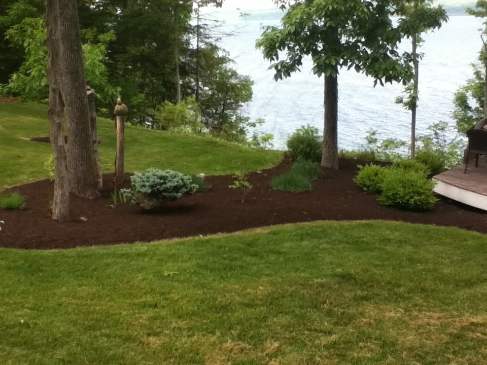 Grassmasters Landscaping Mulching Project 9