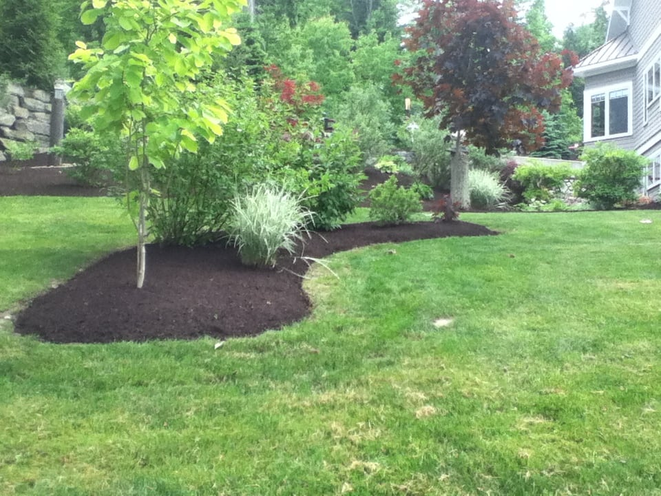 Grassmasters Landscaping Mulching Project 10
