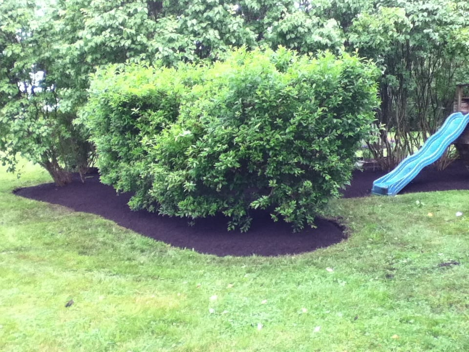 Grassmasters Landscaping Mulching Project 13