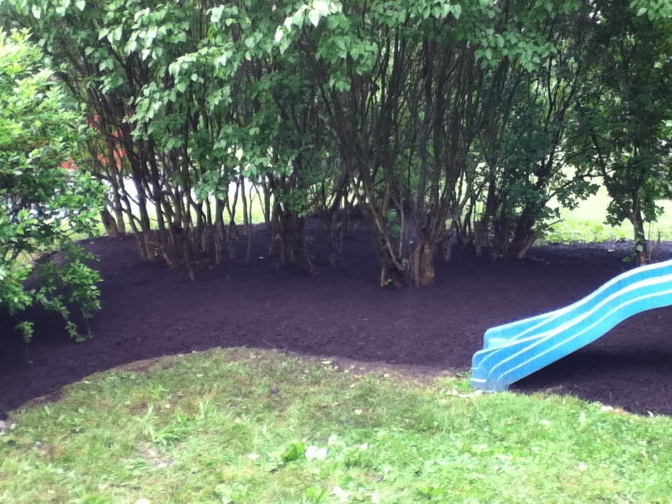 Grassmasters Landscaping Mulching Project 14