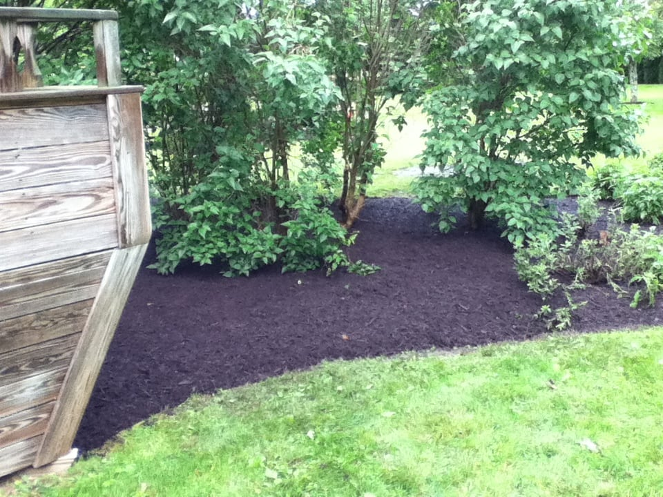 Grassmasters Landscaping Mulching Project 15
