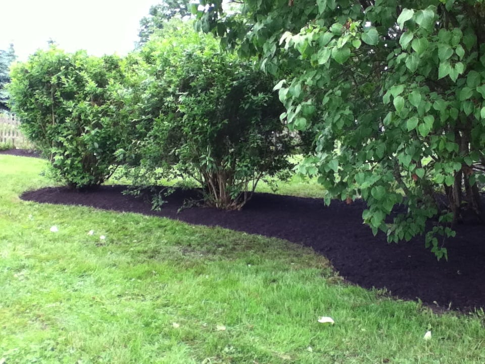Grassmasters Landscaping Mulching Project 17